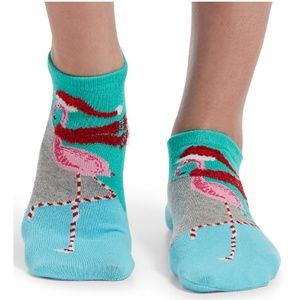 NWT Hue Flamingo Christmas Plush Socks 2-pack OS